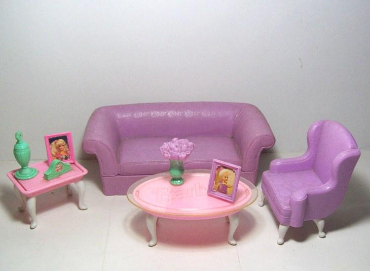 Juego de sala para barbie for Sala de estar barbie